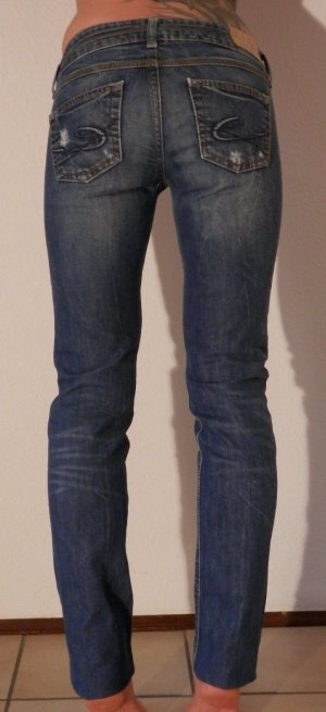 Distressed Destroyed Vintage Look Slim Fit Jeans Röhre ESPRIT Blogger Trend