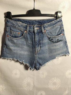 Divided Jeansshorts 3 Artikel aussuchen, die 2 teuersten bezahlen,  das günstigste von den 3 schicke ich Gratis mit!