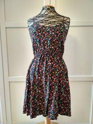 divided Kleid Gr. 36 Sommerkleid Trägerkleid Rosen Totenköpfe Herzen Schwalben