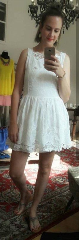 d297baee9b2a Divina Vestido de encaje blanco