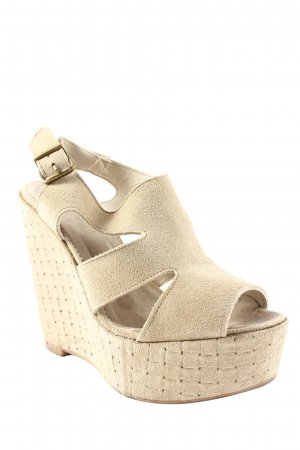 Divine Follie Pumps sandbraun Webmuster Street-Fashion-Look