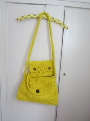 Bolso barrel amarillo