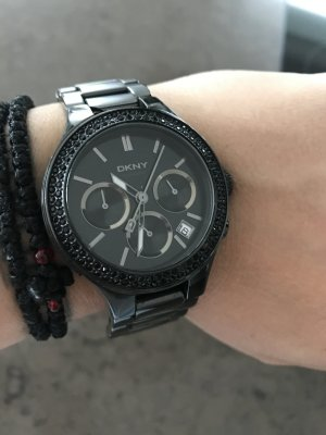 DKNY all in Black Uhr