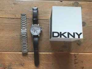 DKNY Damen Chronograph mit zwei Armbändern