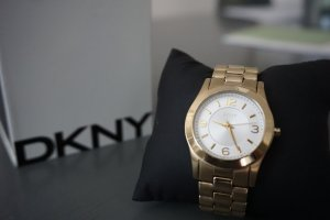 DKNY goldfarbene Uhr + neue Batterie vom 03.11.2016
