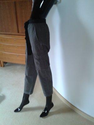 DKNY Jeans, leichte Baumwolle.graugrün