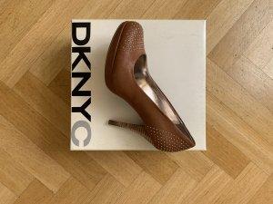 DKNY pumps