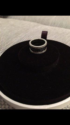 DKNY Ring in Silber und Steinchen