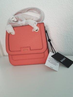 DKNY Saffiano Flap Crossbody Coral rosa Umhängetasche Leder NEU