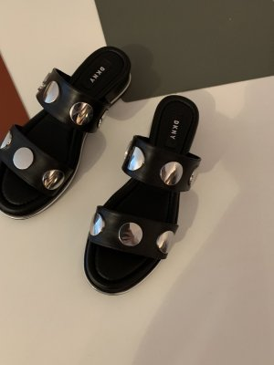 DKNY Sandalo alto con plateau nero-argento