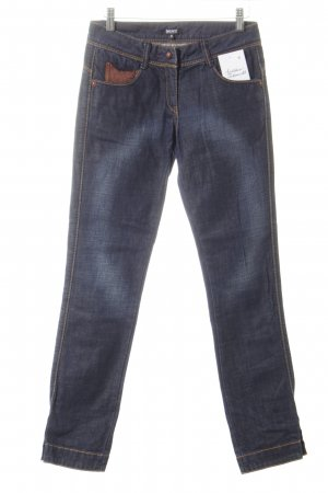 DKNY Slim Jeans dunkelblau Street-Fashion-Look