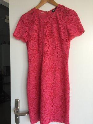 DKNY Spitzenkleid einmal getragen himbeerrot