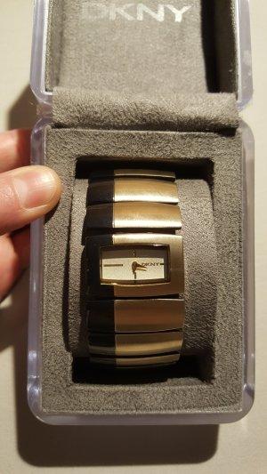 DKNY Uhr in schwarz und goldfarben