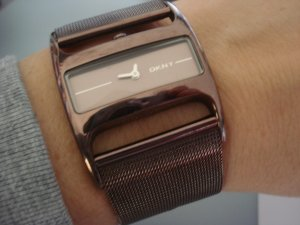 DKNY Uhr Metallic Braun edel