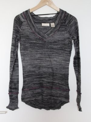 DKNY V-Neck Pullover