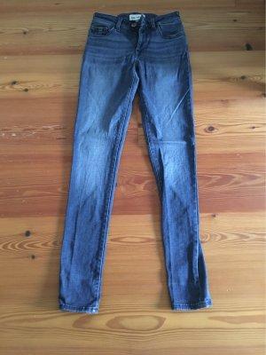 DL1921 Jeans, Model Amanda, Weite 24