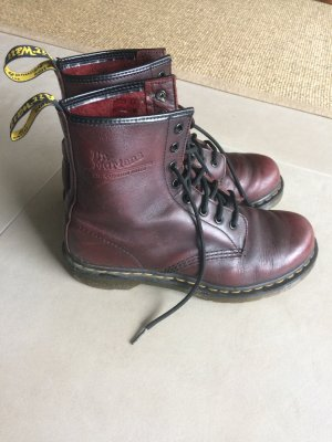 Doc Martens Schnürstiefel in Bordeaux