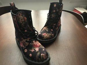 Doc Martens schwarz mit Blumen