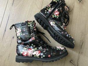 Dockers mit Blumenmuster