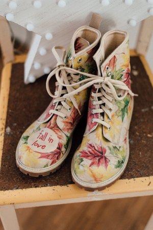"Dogo Shoes ""fall in love"" VEGAN"