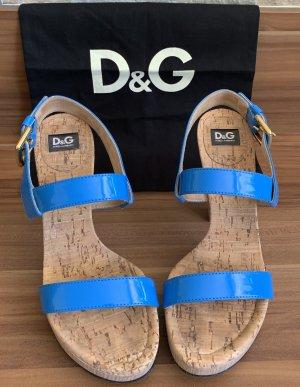Dolce & Gabbana Sandalo con plateau blu neon