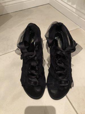 Dolce & Gabbana Lace-up Pumps black
