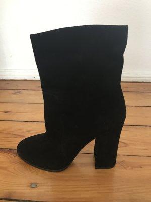 Dolce & Gabbana - schwarze Wildleder Boots, Ankleboots, Stirfeletten