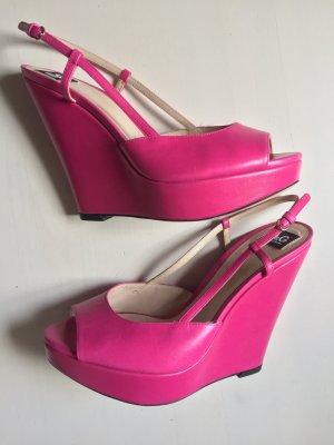 Dolce & Gabbana Sandales à talons hauts et plateforme rouge framboise