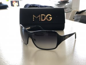 Dolce & Gabbana Oval Sunglasses black