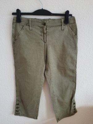 Dolce und Gabbana 3/4 Shorts Jeans in gragrün. Größe 42. Keine Makel 100% Baumwolle