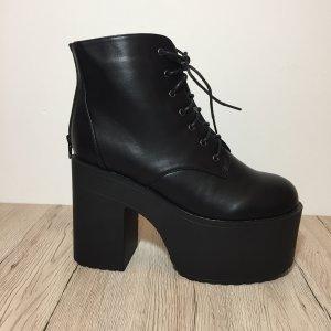 Dollskill Plateau Boots