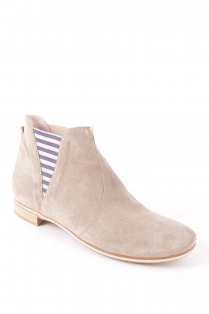 Donna Carolina Chelsea Boots grey street-fashion look