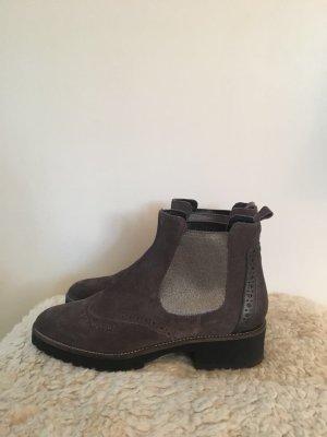 Donna Carolina Chelsea Boots in braun mit silbernen Metallic-Details