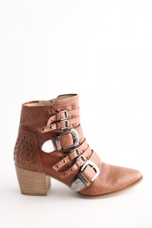 Donna Carolina Santiag brun style décontracté
