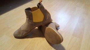 Donna Varolina Chelsea Boots