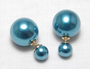 Boucles d'oreilles en perles bleu fluo matériel synthétique