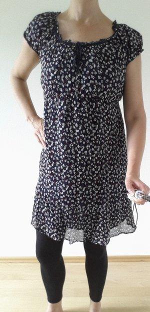 Doppellagiges Kleid mit Puffärmelchen