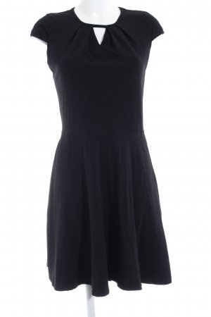 Dorothy Perkins Kurzarmkleid schwarz Elegant