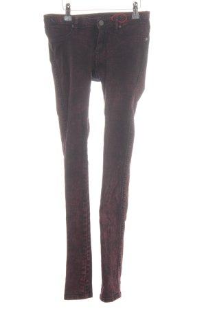 Dr. Denim Jeans a sigaretta rosso mora look pulito
