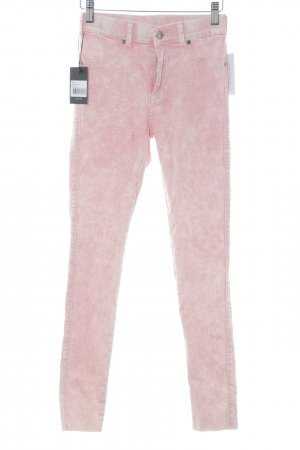 Dr. Denim Vaquero pitillo rosa degradado de color look casual