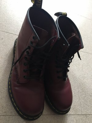 Dr. Martens 1460 in red cherry