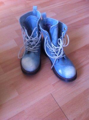 Dr. Martens-ähnliche Schuhe mit Jeanstoff Denim und leichtem Glitzer in 38