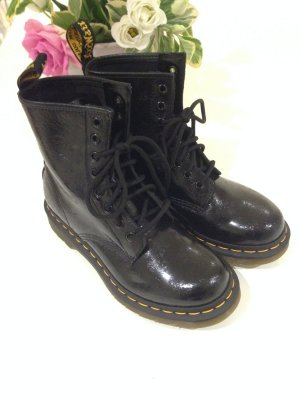 Dr. Martens Air Wair with Soles Bouncing