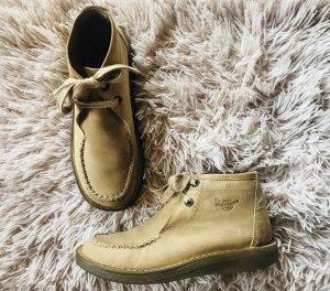 Dr. Martens Boots beige