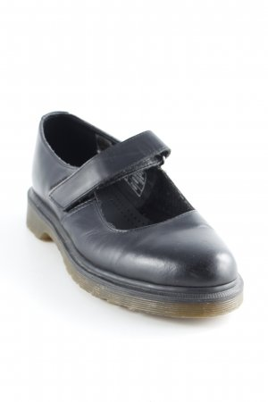 Dr. Martens Mary Janes black street-fashion look