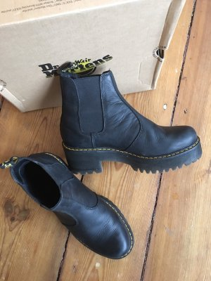 Dr. Martens Rometty