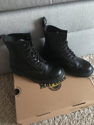 Dr. Martens Combat Boots black leather