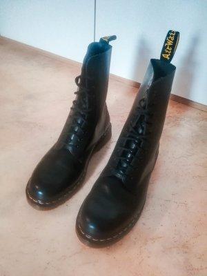 Dr. Martens Combat Boots black leather