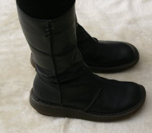 Dr. Martens Winter Boots black leather
