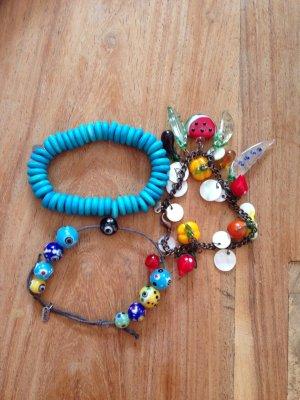 Drei Sommer- Armbänder von Mavi mit Glasperlen